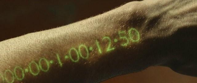 หนังเรื่อง In Time นั้นเป็นเรื่องราวที่เกิดขึ้นในโลกอนาคต