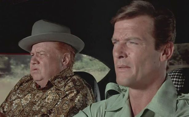 เมื่อ เจมส์บอนด์ กลายเป็นนักแสดงตลกในเรื่องพิงค์แพนเธอร์ที่ได้รับคำชื่นชมอย่างมาก
